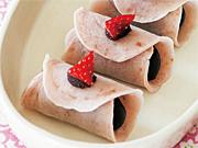 <ひな祭り>いちご桜餅