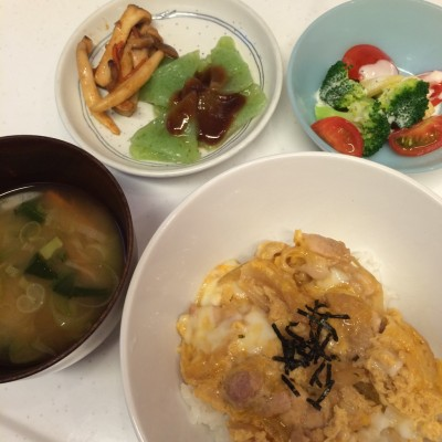 【砂糖を使ったレシピ企画】子どもに食べさせたい和食〜親子丼〜