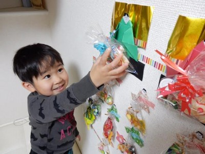 【行事ママ】アドベントカレンダー風ひな飾り