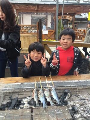 小松沢レジャー農園でニジマス釣り