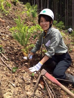 栃木で植林体験してきたよ!!自然の中で森の大切さを思う