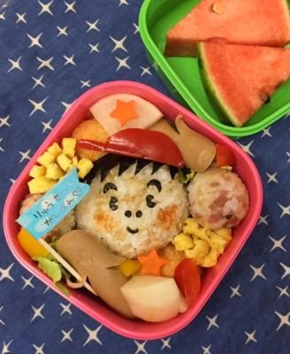 小学校の運動会!お弁当は親子別々~!? (@_@)