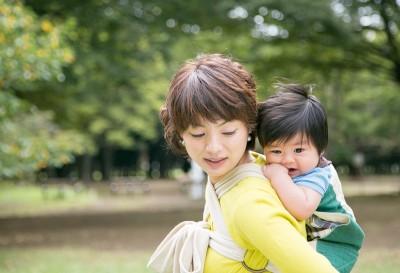 スタイリッシュなおんぶひもで、赤ちゃんがママとシェアできること