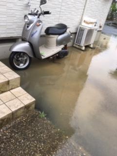 台風の影響・我が家だけ停電・プチ洪水状態・泥水おしよせる!!