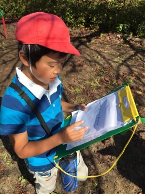 長男、2年生の課外授業「町探検」で地元のお店を調べる。