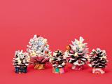 松ぼっくりツリーの作り方~クリスマスに親子で楽しもう!