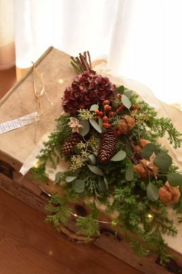 初心者でも豪華でオシャレなクリスマススワッグ作り。