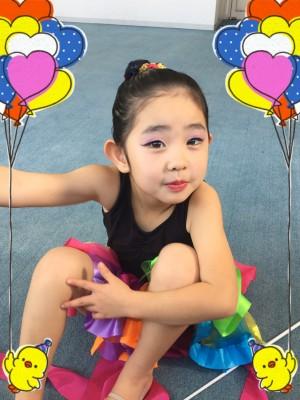 【習い事】 5歳の娘 新体操を習い始めてから、初めての発表会