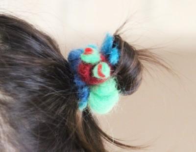 【簡単】毛糸ではらぺこあおむし風ヘアゴムの作り方