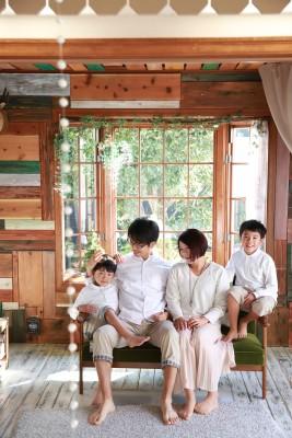ライフスタジオ大宮店で家族写真2016年版を撮影♪