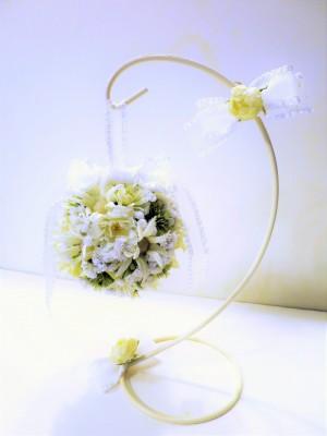 白い小花のラウンドブーケ