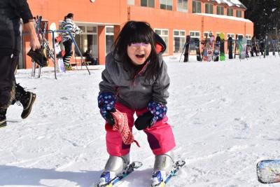 人生初体験の親子スキーヤー、群馬で明暗わかれる。