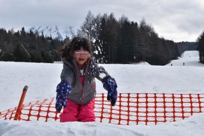 まだ行くか!親子で日帰り雪山遊び。楽しいのはパパと子どもだけ…