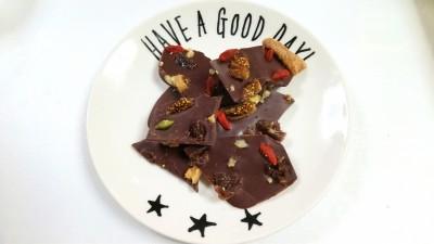 【レシピ】美容に良いローチョコレート!