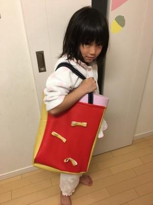 【2年生で増えた持ち物】音楽室・図工室へ移動するためのカバンを手作り