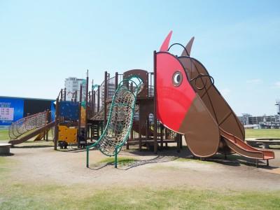 馬券を買わなくてもOK!川崎競馬場は子どもと無料で遊べる穴場スポット