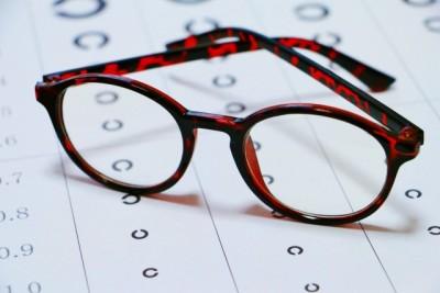 メガネはいつから?子どもの視力低下で親の私が学んだこと