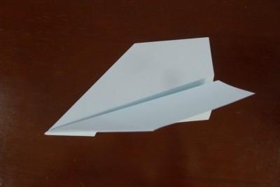 【紙飛行機】よく飛ぶ紙飛行機の折り方&検証!ギネス記録の実力やいかに