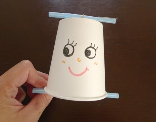 紙 コップ おもちゃ 紙コップを使った製作10選!ねらいや特性、年齢別に楽しめる製作アイ...