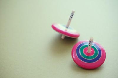 【手作りおもちゃ】簡単!自宅にあるものでコマ作り♫