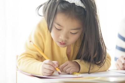 「宿題をやるのに時間がかかる」というお子さんの場合のレッスン
