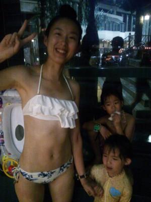 【料金半額!】鶴見緑地のナイトプールに行ってきました♪
