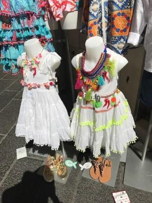 イタリア、タオルミーナで子供服ショッピング