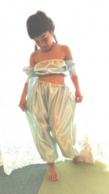 ジャスミン風ドレスならアバウトに簡単に出来る!ハロウィンドレス作り方