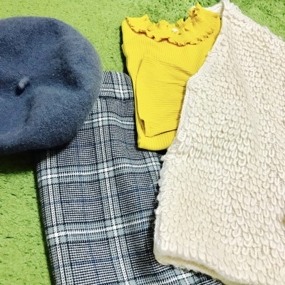 【GU】ママもOK!チェックスカートと甘めトップスで大人スタイル!