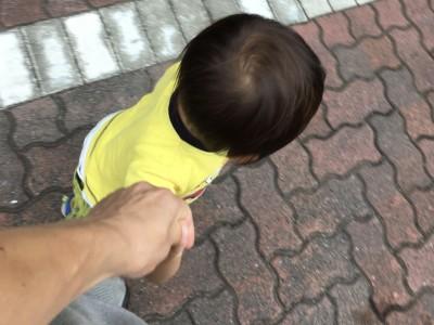 【衝撃!】子どもとつないでいる手、スマホを見てたら意味がなかった!