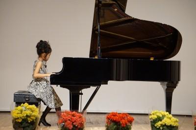 【ピアノ発表会】ネットで購入衣装で大人っぽく