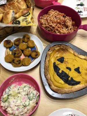 【ハロウィン】ママの手作り料理と子ども達の可愛い仮装