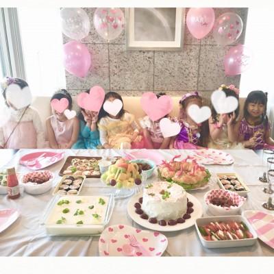 ドレスパーティ♡園のお友達で持ち寄りパーティをしました!