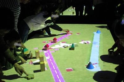 【神戸開催12/17まで】チームラボ!未来の遊園地で何ができる?