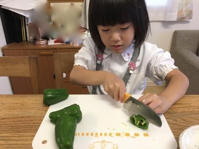 【食育*料理のお手伝い】幼稚園児はピーマン、小学生には料理を教えてみた