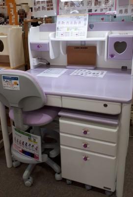 【入学準備】子供用に新しく家具を買う? 家具の展示会に行きました。