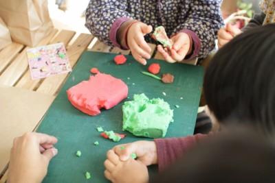 身近な素材でOK! 子どもの「ソウゾウ力」を育む造形遊び