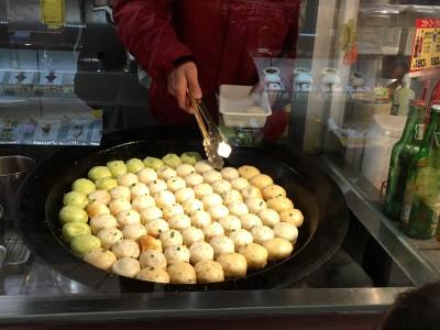 横浜中華街がアツイ!食べ歩きの散策 焼き小龍包が激ウマ!ハマった子供達