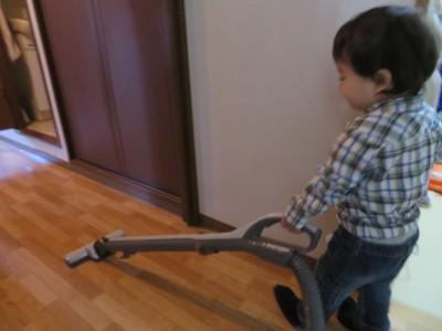幼児期からのお手伝いは遊び感覚とママの広い心で習慣化できる