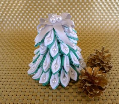 「つまみ細工」のクリスマスツリー☆