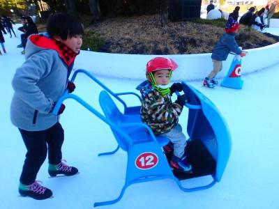【冬遊び】滑走料無料!富士急ハイランドで楽しくスケートを滑ろう!