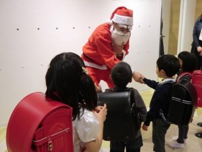 ひと足早いクリスマスプレゼント  ランドセル寄贈式へ行ってきました!