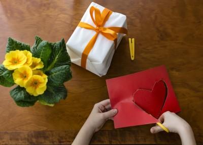 男の子ママ必見!女の子からプレゼントをもらったら気を付けるポイント