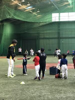 サッカー少年、○○グループ野球教室に行ってきました