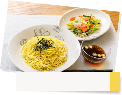 増田家のマルちゃんざるラーメンと付け合せ料理