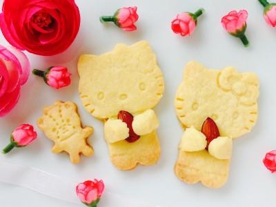 悶絶可愛い【キャンドゥ】抱っこキティちゃんのクッキー型♡これオススメ!