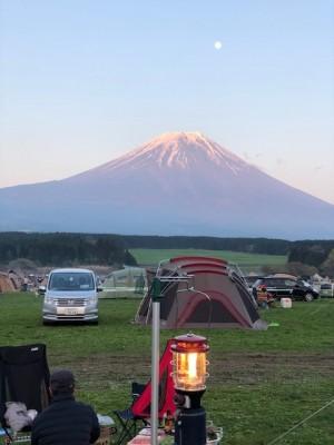 予約1000組?!今年初キャンプは【ふもとっぱら】へ。