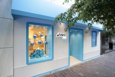 アシックス初の子ども靴の旗艦店が銀座に誕生