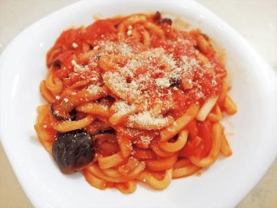 【バラエティ豊かな麺】夏休みランチカレンダー2018<夏野菜の洋風トマトうどん>