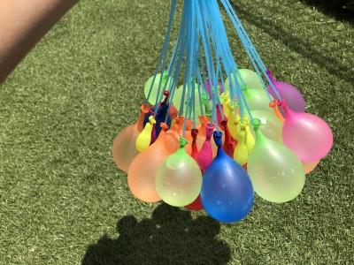 【水遊びグッズ】3COINSの一度に大量の水風船を作れるキットが楽しい